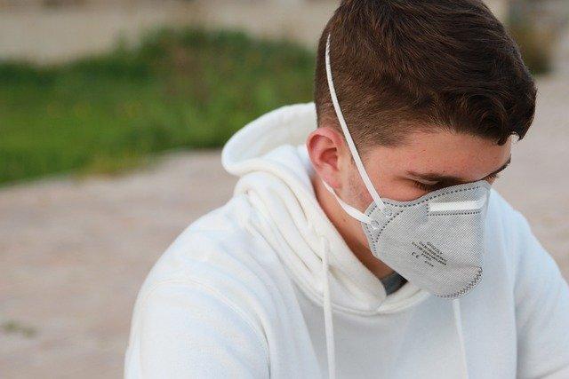 В магазинах и транспорте Крыма запретили обслуживать людей без масок
