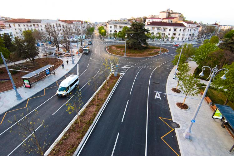 В Севастополе вводят ограничение остановки и стоянки транспортных средств