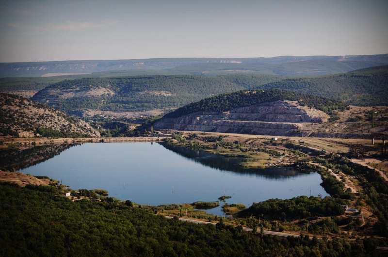 Озеро у горы Гасфорта в Севастополе осушать не будут