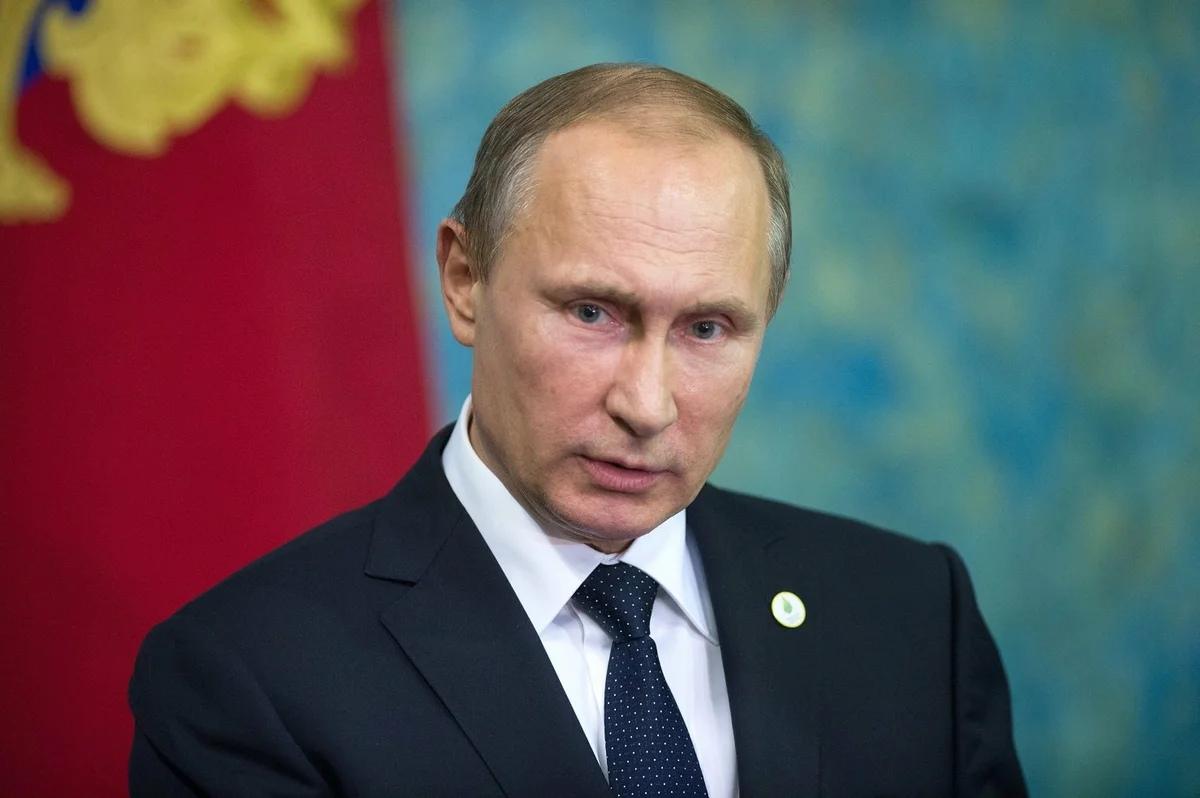Путин и Хуснуллин обсудили вопрос обеспечения водоснабжения Крыма и Севастополя