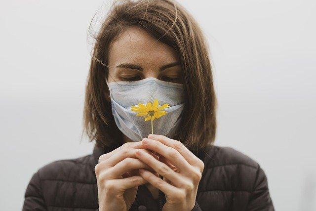 Посетителям крымских заведений общепита разрешили ходить без масок