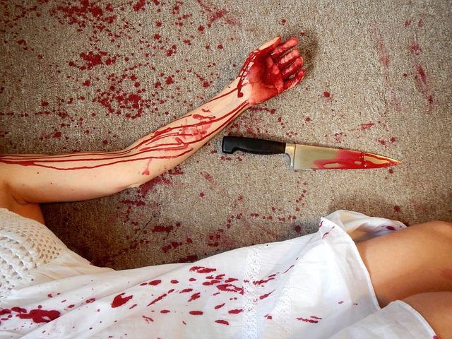 Крымчанин зверски зарезал свою супругу
