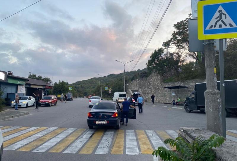 Водитель иномарки сбил 9-летнюю девочку в Ялте