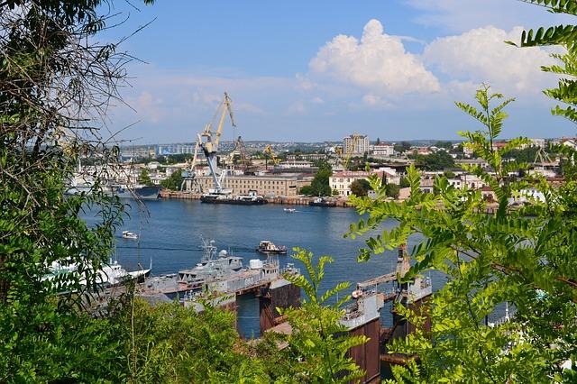 В Севастополе построят 10 новых судов для рыбной промышленности региона