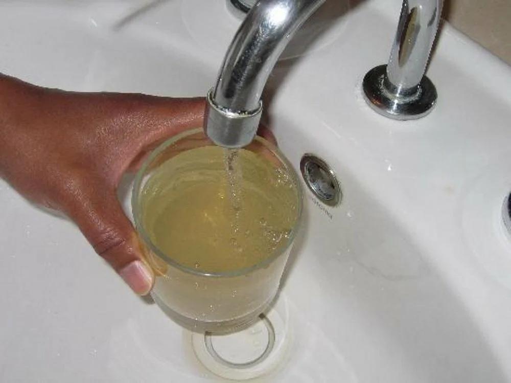 Жителей Симферополя предупредили о мутной воде в кранах