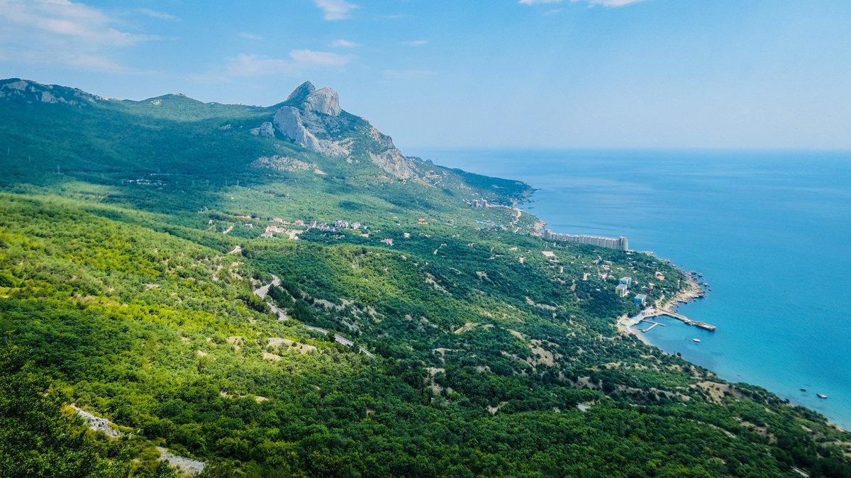 Аксенов не планирует ограничивать въезд туристам на полуостров