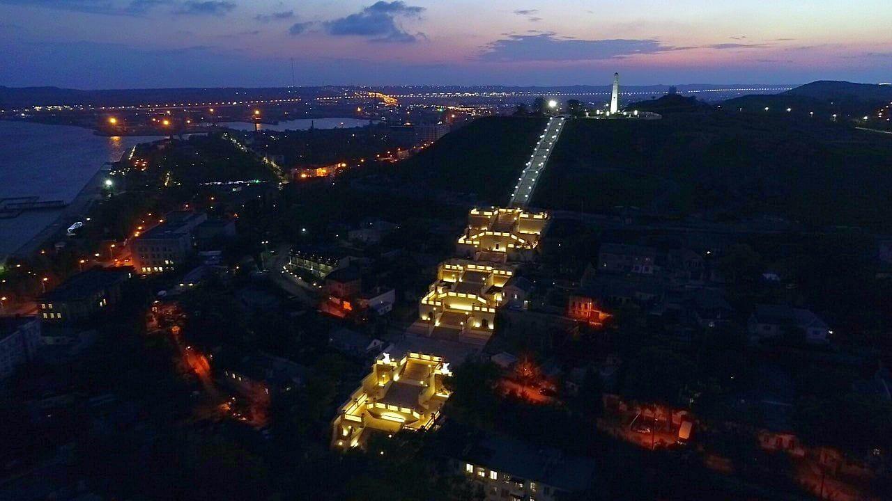 В Керчи началось тестирование подсветки обновлённой Митридатской лестницы