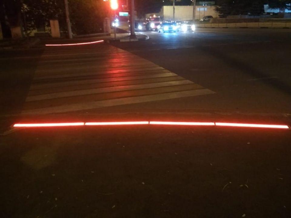 В Севастополе появился «лежачий светофор»