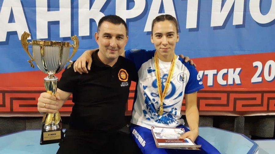 Севастопольские спортсмены привезли домой золотые медали по спортивной борьбе