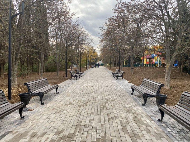 Сквер Севастопольских курсантов готов на 95%