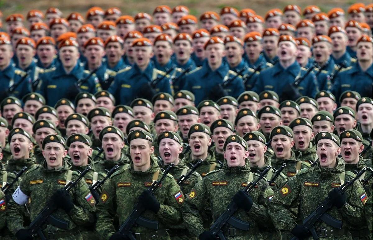 Севастопольских новобранцев отправили служить на материк