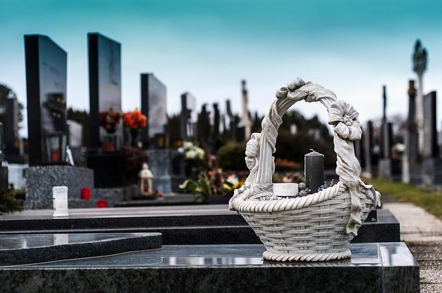 Стало известно, как хоронят на симферопольском кладбище в условиях пандемии