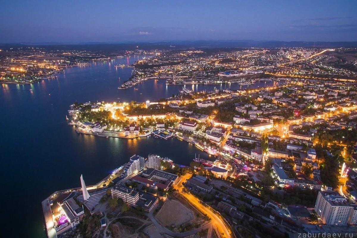 Севастополь вошел в список городов с дешевым жильем на Новый год