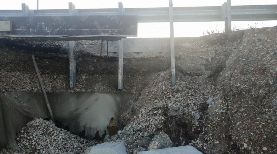 В Крыму обвалился еще один участок новой объездной дороги