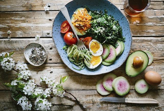 Диетологи рассказали, какие завтраки помогут справиться с тревогой