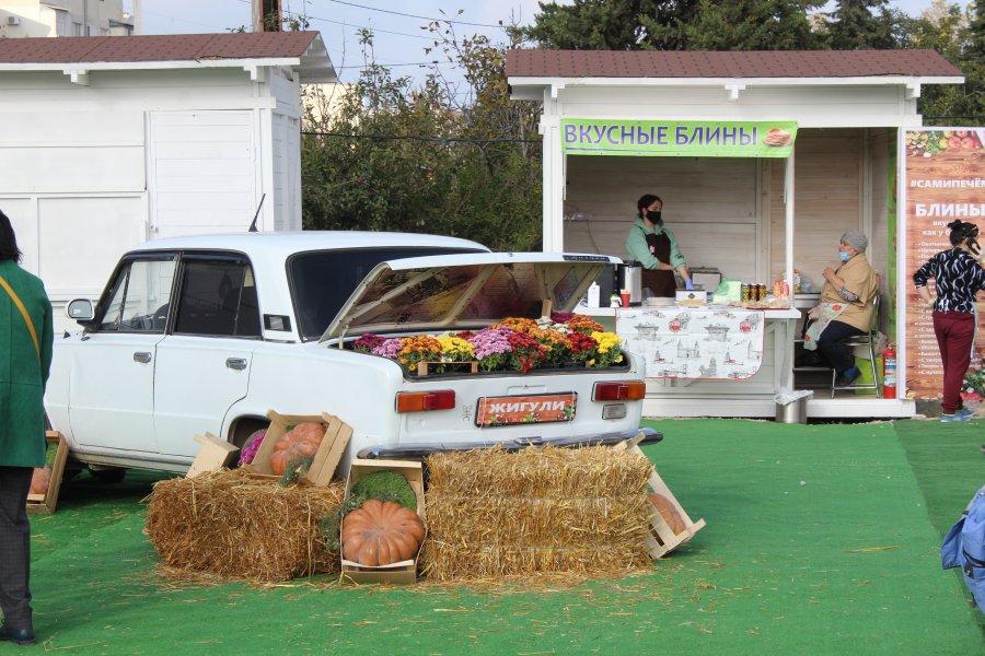 Товары по минимальным ценам: в Севастополе открылась сезонная ярмарка