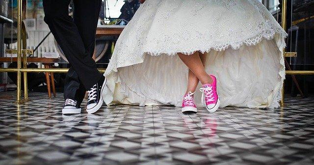Только жених  и невеста: в Крыму запретили торжественную регистрацию брака