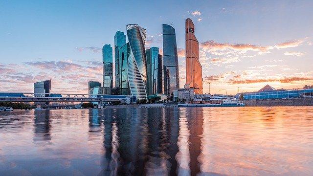 Россияне назвали лучшие города для работы на удаленке
