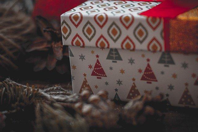 Россияне урезают бюджеты на новогодние подарки
