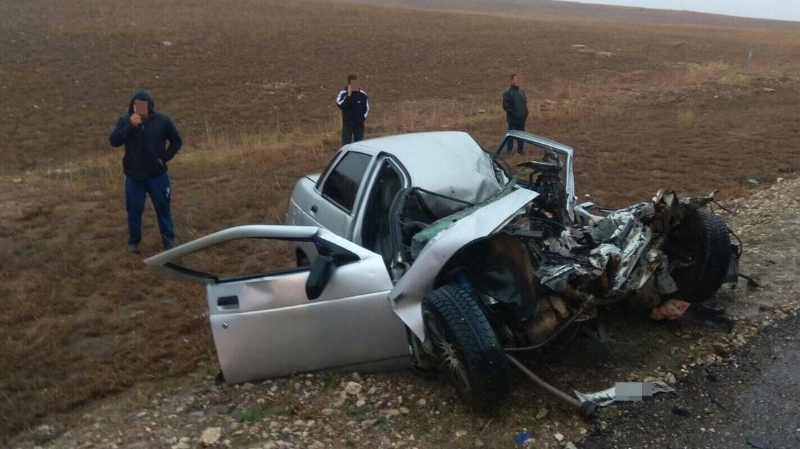 Человек погиб при столкновении автомобилей «ВАЗ» и «MAN» в Крыму