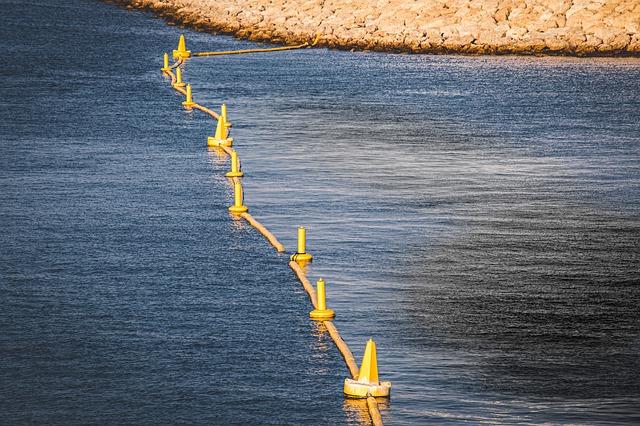 У берегов Крыма выявили источники нефтяных загрязнений в Черном море