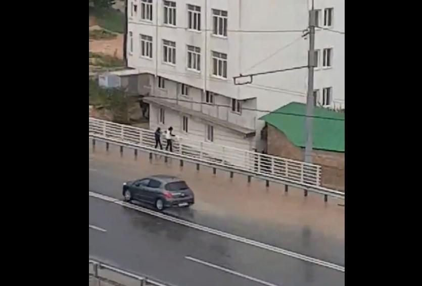 На новом мосту в Севастополе образовалось озеро
