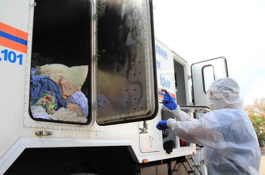 Появилось видео обработки вещей заболевших коронавирусом в Крыму