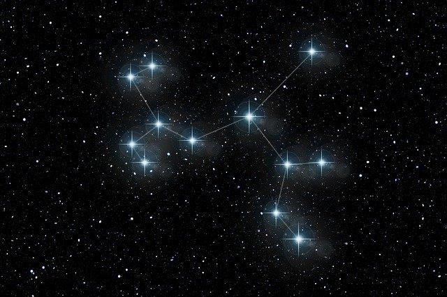 Астролог дал прогноз на конец года для всех знаков зодиака