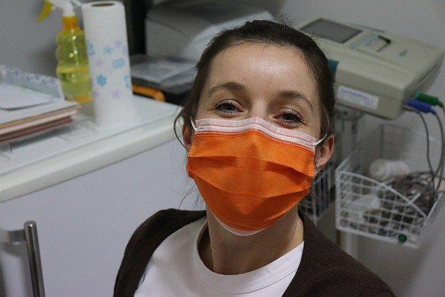 Россиянам предложили возмещать расходы на тестирование на COVID-19