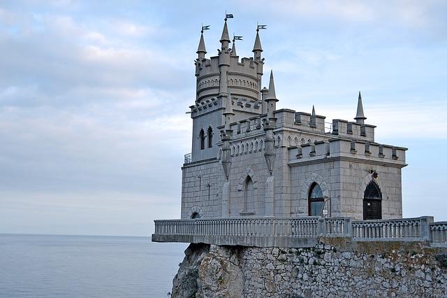 Замок «Ласточкино гнездо» открыли после реставрации