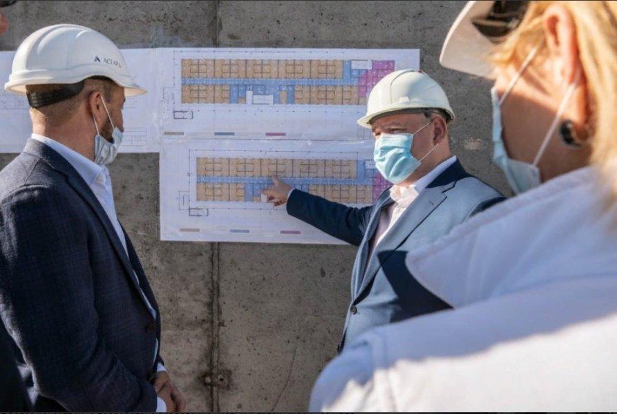 Поможет в праздники: в Севастополе построили новый корпус инфекционной больницы