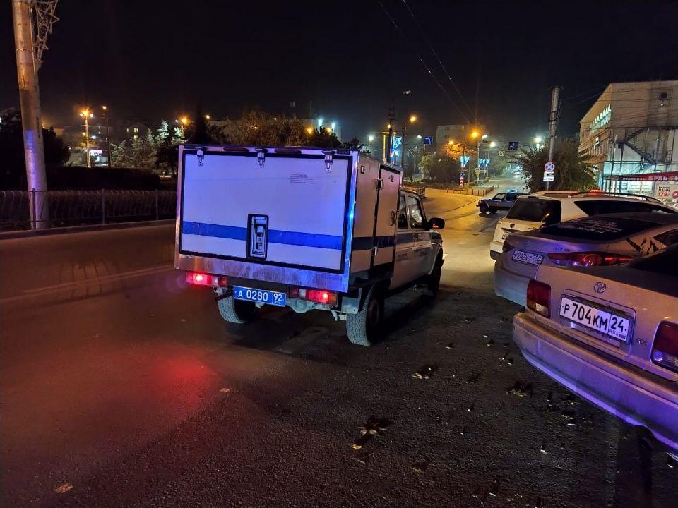 Площадь 50-летия СССР в Севастополе оцепили из-за подозрительного предмета