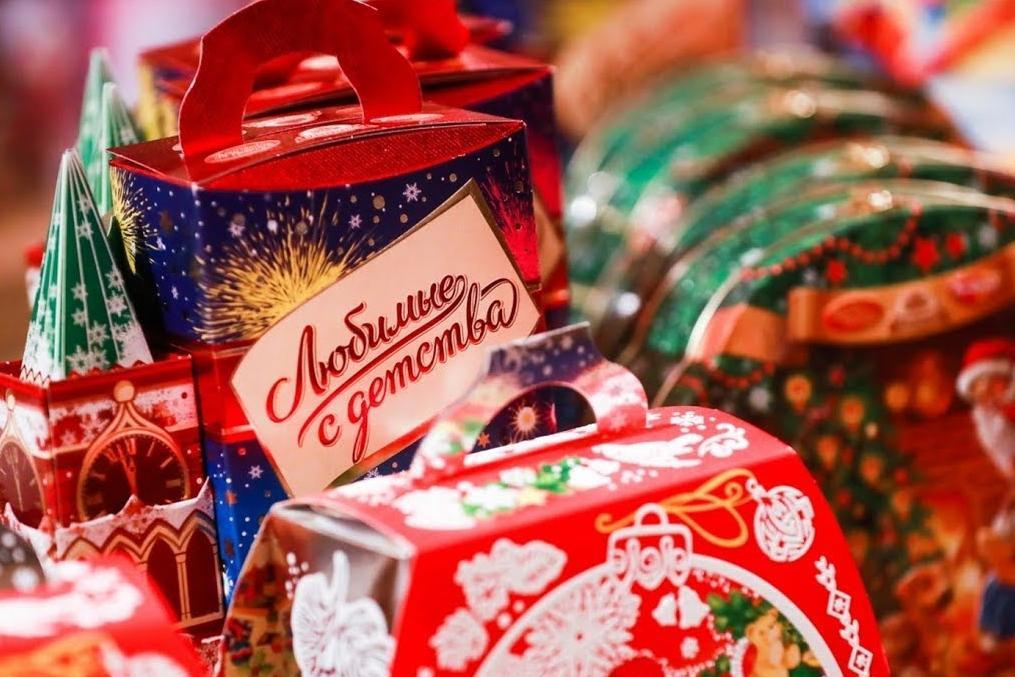 Как правильно выбрать сладкий новогодний подарок для детей