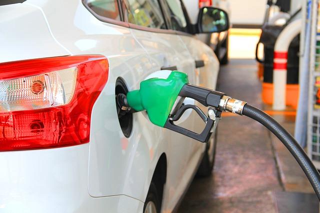 Крымстат сообщил о снижении цен на бензин в Севастополе