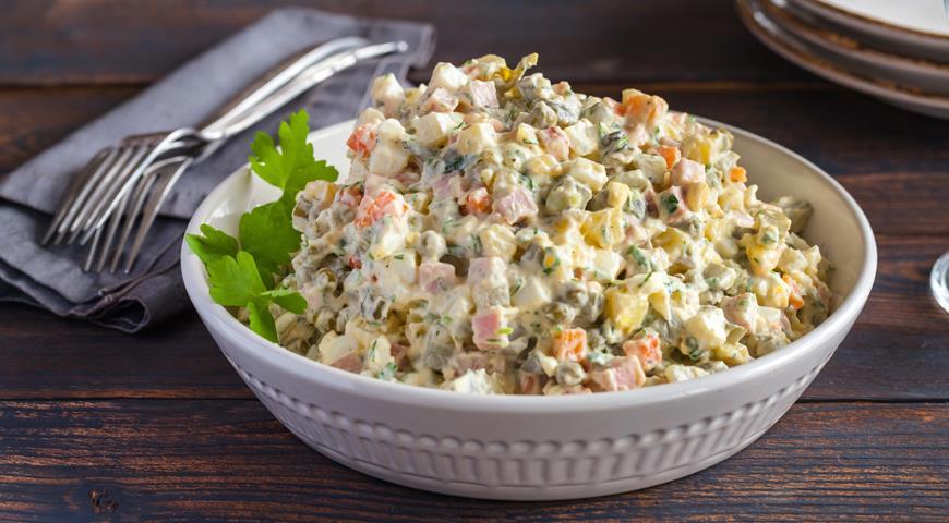 Диетолог назвала неожиданный ингредиент для оливье вместо картофеля