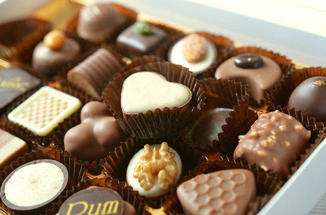 Сколько конфет можно есть ребенку в новогодние праздники – мнение врачей