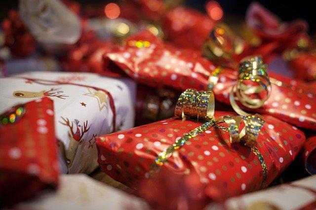 Названы новогодние подарки, о которых тайно мечтают взрослые