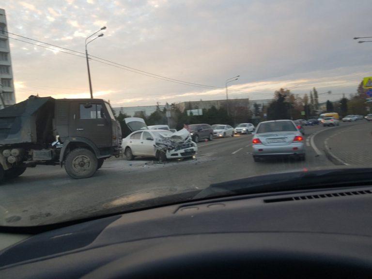 Автомобиль вспыхнул в ДТП на Фиолентовском шоссе