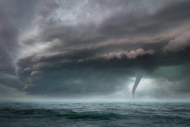 МЧС предупреждает об ураганном ветре в Крыму