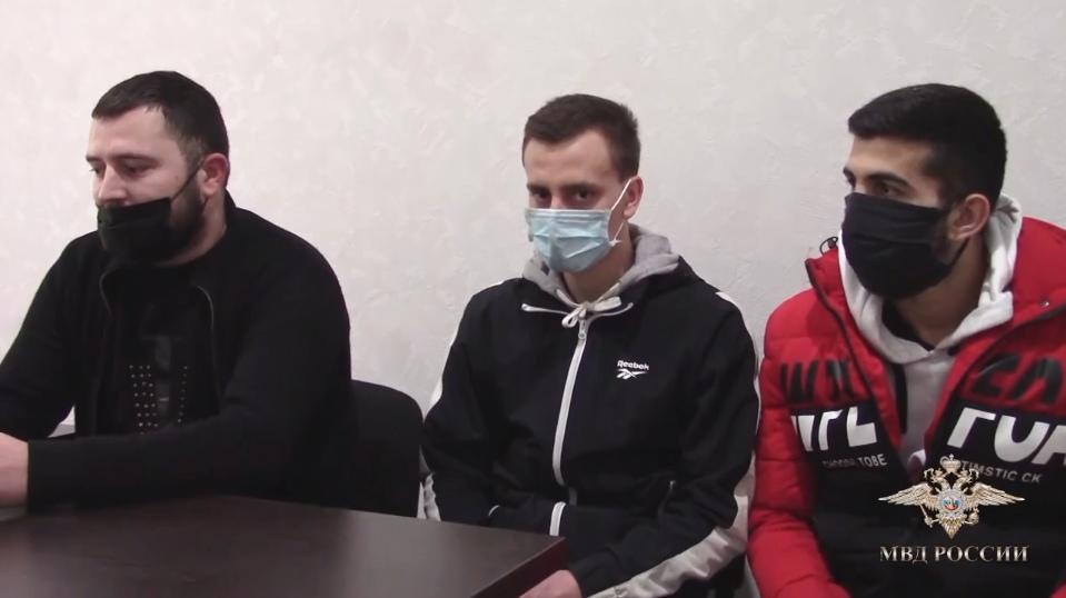 Трое автомобилистов устроили опасные гонки в центре Ялты