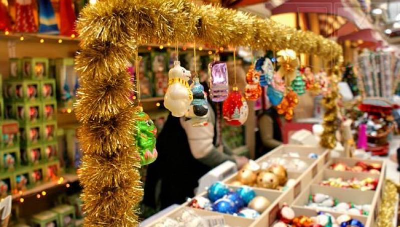 Где в Крыму и Севастополе развернули елочные базары и новогодние ярмарки