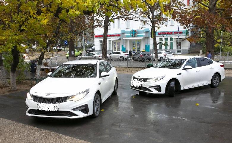 Поликлиникам Севастополя передали два седана бизнес-класса