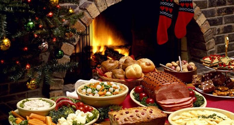 новогоднем столе