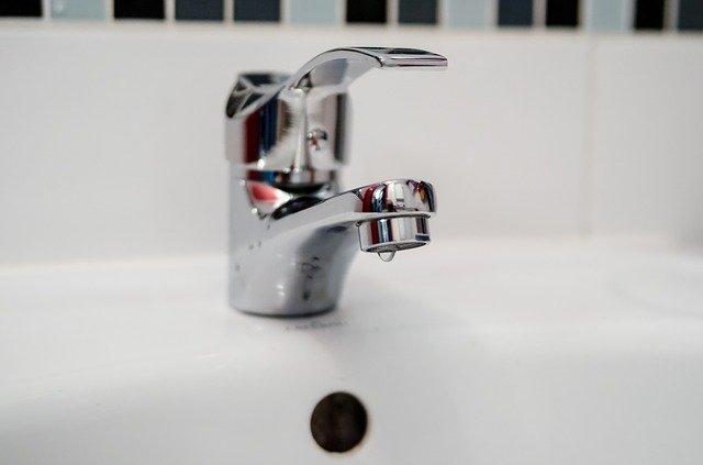 Крымчанам начнут отключать воду за долги