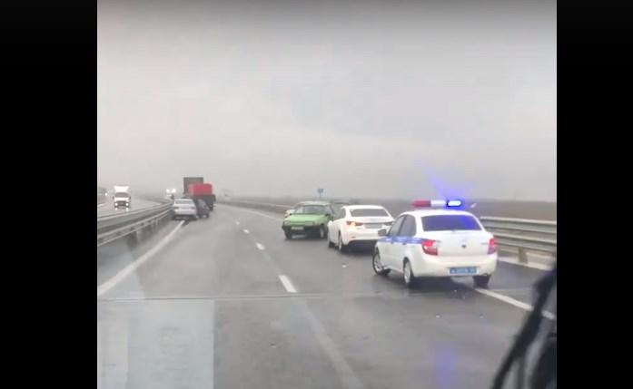 В массовом ДТП на «Тавриде» столкнулись более десятка автомобилей
