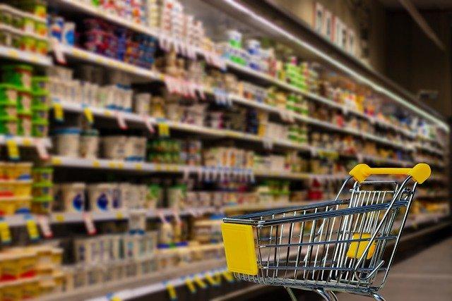 Власти объявили предельные цены на сахар и масло в магазинах