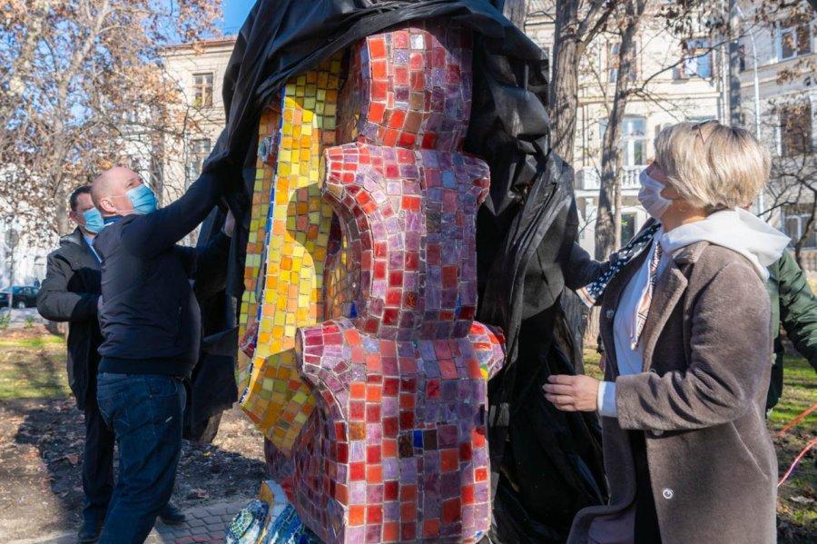 В детский парк вернули скульптуру знаменитого севастопольского скульптора
