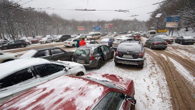 В Крыму рассказали о дорожной ситуации на перевалах после снегопада