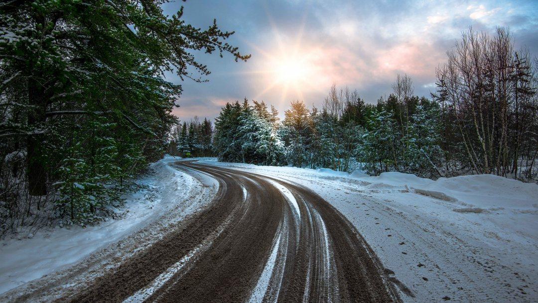 В Крыму после снегопада расчистили все трассы
