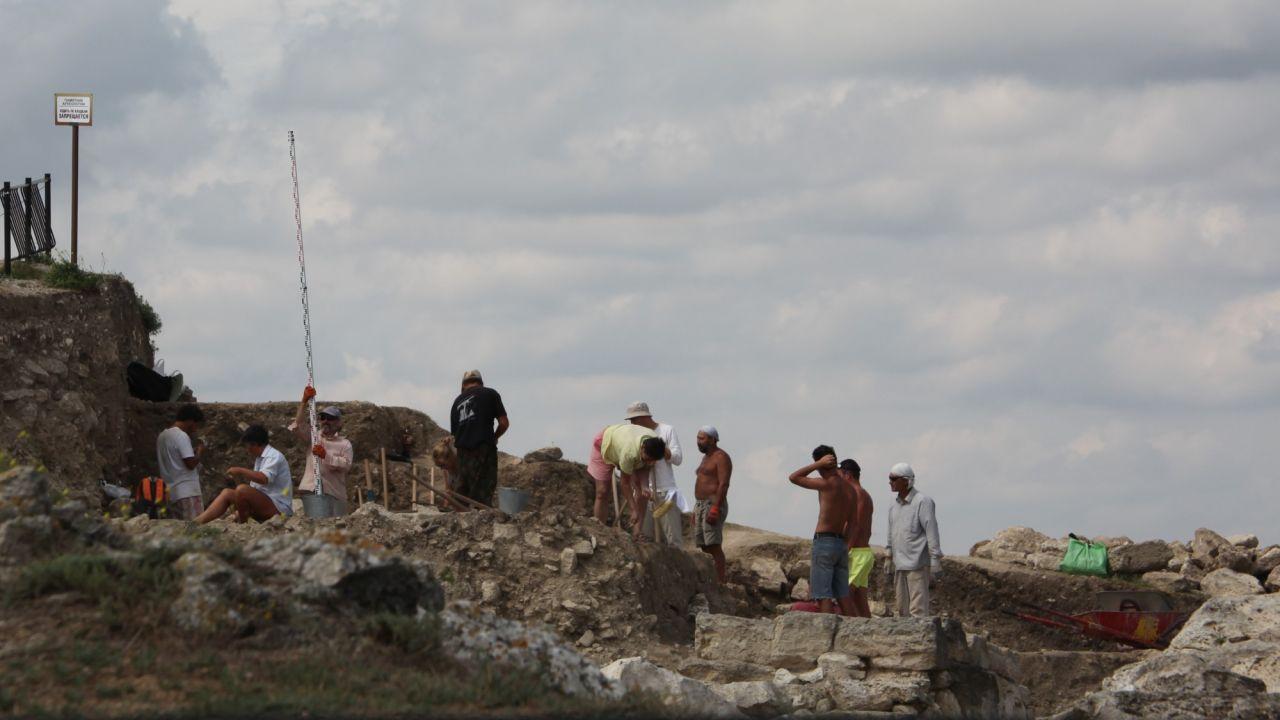 Уникальное захоронение эллинистического периода обнаружили в Крыму